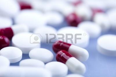 Tabletas de medicamentos &  Foto de archivo - 7382950